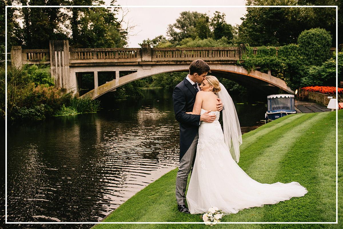 essex-wedding-photograper-le-talbooth-wedding-essex-058